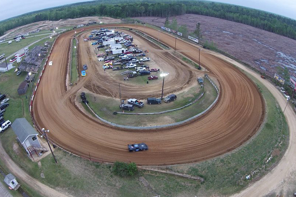 Friday Races at Dixieland Speedway!